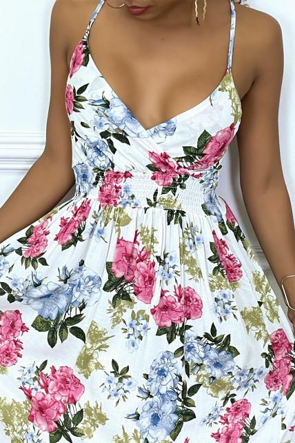 Longue robe d'été blanche élastique à fleurs colorées