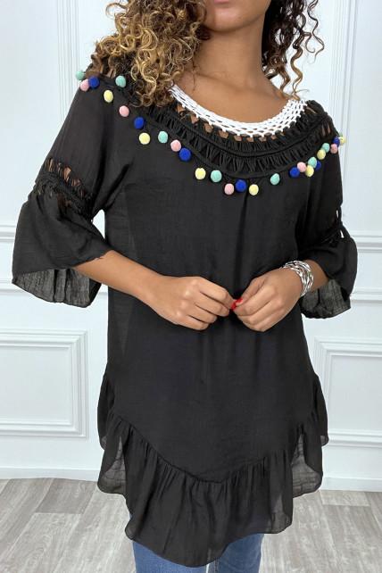 Robe tunique noir avec dentelle et pompon au col et aux manches