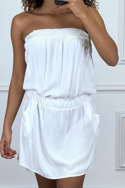 Robe bustier blanche avec poches et strass au buste