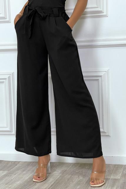 Pantalon palazzo noir ceinturé, très tendance