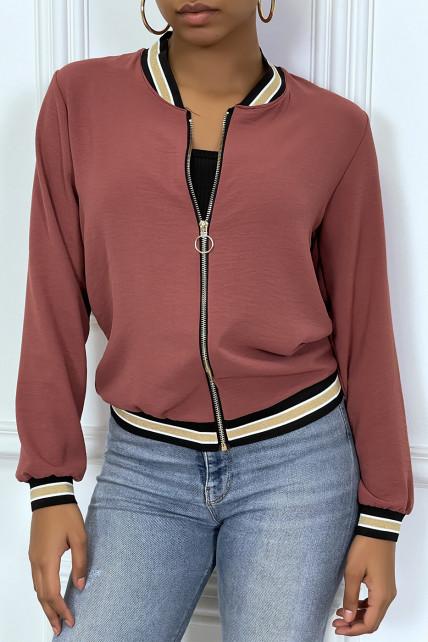 Veste fluide rose foncée légère à zip et bordure dorée