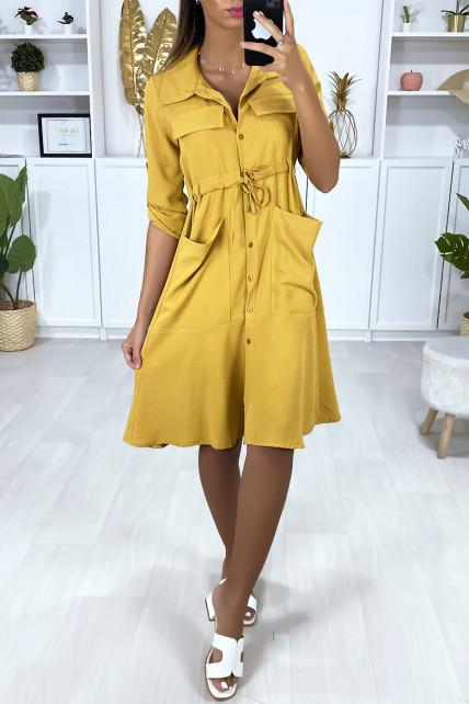 Robe chemise boutonnés en moutarde avec poches et ajustable à la taille