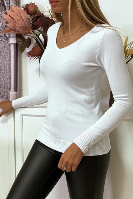Pull blanc col V en maille tricot très extensible et très doux avec Zip doré au dos