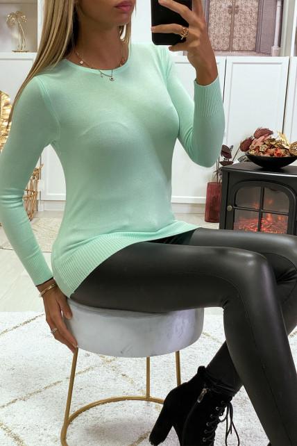 Pull vert d'eau col rond en maille tricot très extensible et très doux