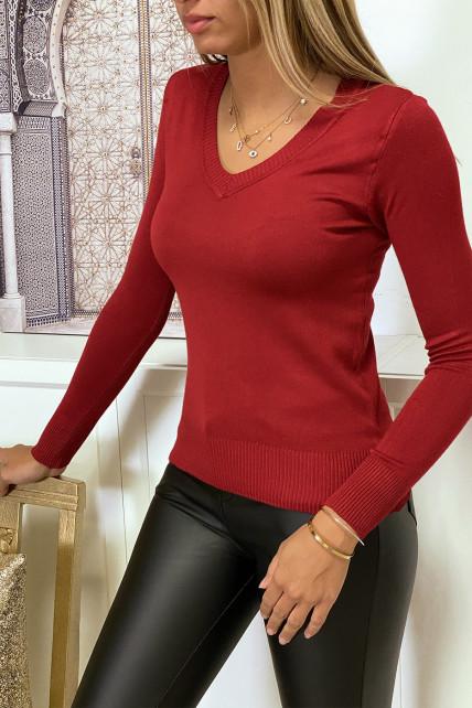 Pull bordeaux col V en maille tricot très extensible et très doux