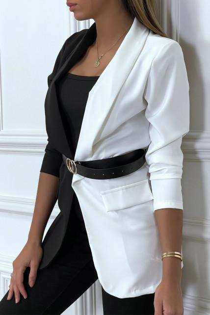 Blazer bi-color blanc et noir avec ceinture et col revers