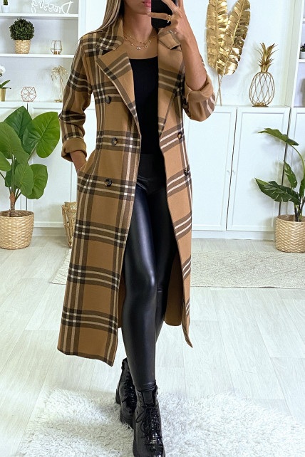 Long manteau à carreaux camel avec poches et ceinture