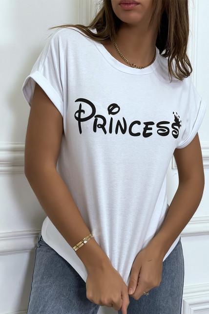 """T-shirt blanc avec écriture """"pincesse"""" et manches retroussées"""