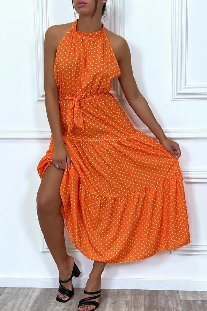 Robe longue orange volante à petit pois blanc avec ceinture