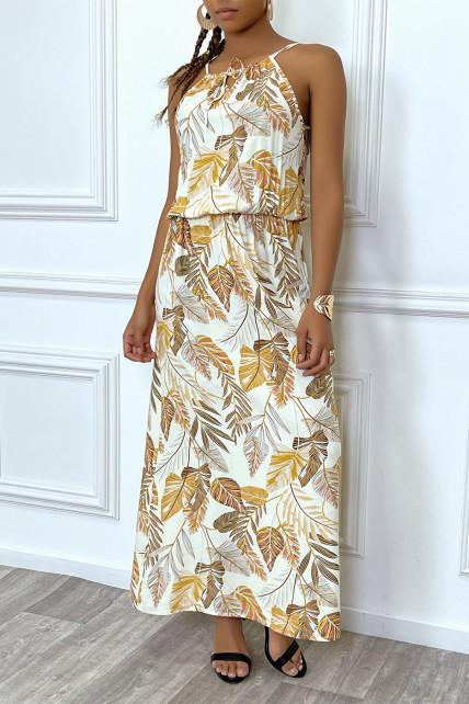 Robe longue beige motif feuilles avec col montant et elastique à la taille