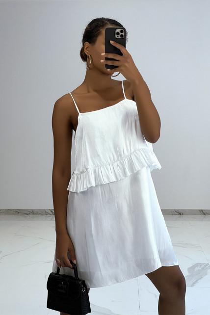 Petite robe fluide satinée blanche