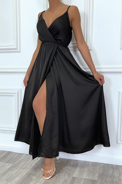 Robe satin cache-coeur longue fluide noire à bretelles fines avec fente