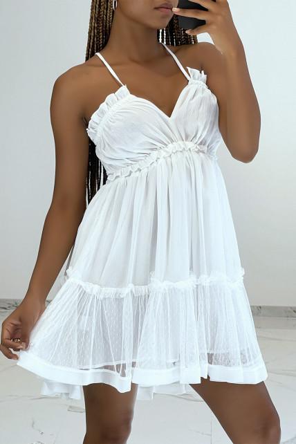 Petite robe blanche fluide en mousseline décolleté V et dos nu