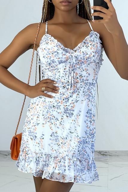Petite robe fleurie à volants effet corset sous la poitrine