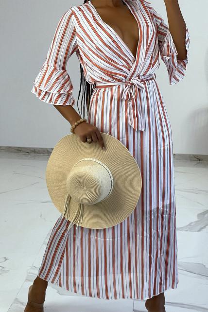 Robe longue à rayures oranges et manches 3/4 à volants style vintage