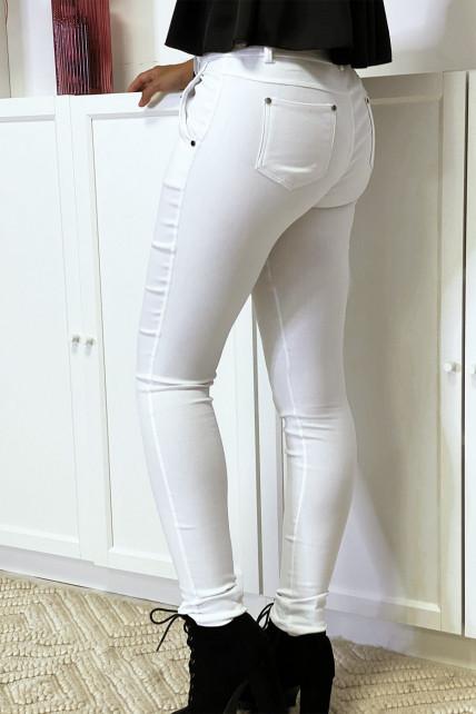 Pantalon slim blanc en strech avec zip et poches